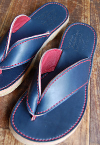 Mens_sandal_navy_2